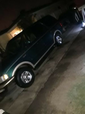 98 Ford Expedition for Sale in Los Angeles, CA