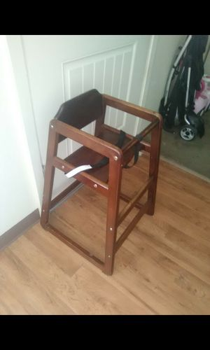 HIGH CHAIR CHILDREN for Sale in Wheatland, CA