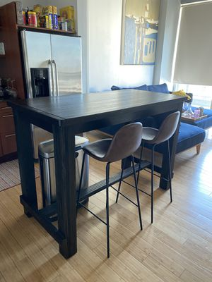 Tall table with 2 chairs - perfect island table for kitchen for Sale in Miami, FL