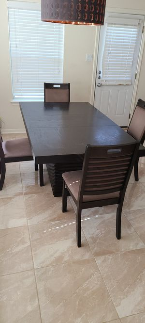 Dinning set table chairs heavy duty for Sale in Cypress, TX