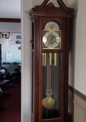 Antique Grand Father Clock - $90 (Barrington) for Sale in South Barrington, IL