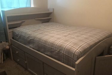 Full size bed frame (MATTRESS NOT INCLUDED!!!) for Sale in San Angelo,  TX