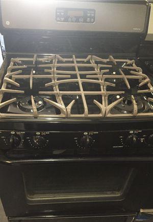 GE black stainless steel 5 burner gas for Sale in Atlanta, GA