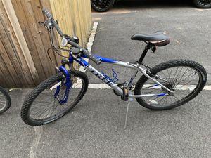 Trek 820 Men's Mountain Bike for Sale in River Vale, NJ