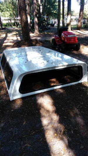 Free Camper shell GMC 8 foot bed for Sale in Altoona, FL