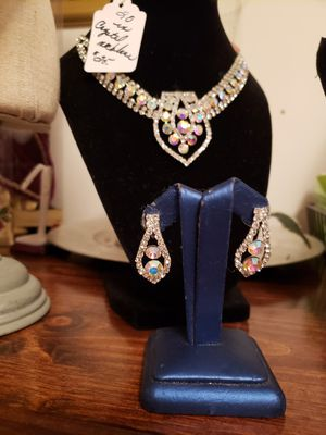 Bridal necklace with earrings for Sale in Blackwood, NJ
