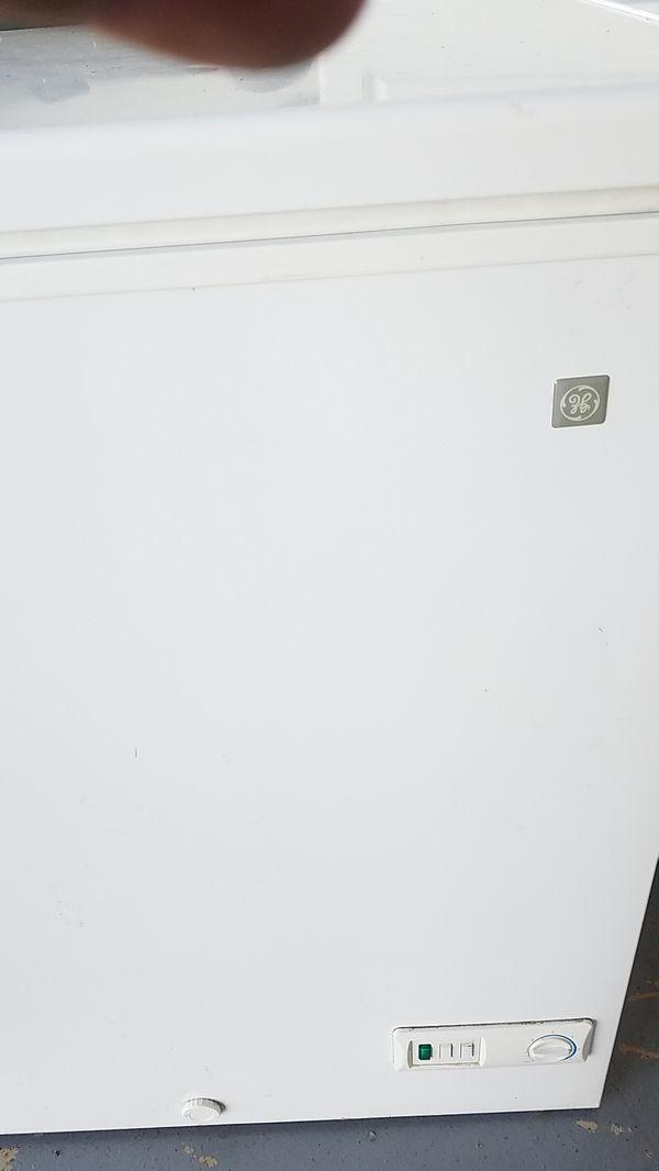 Mini refrigerator ge almost new