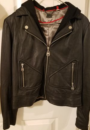 (Size -M- )DOMA leather jacket never worn a classic for Sale in Altamonte Springs, FL