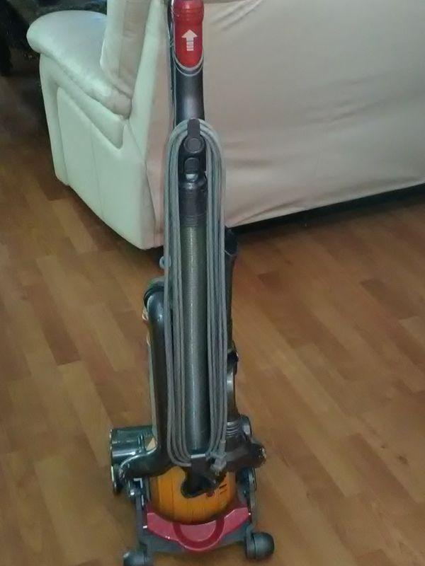 Dyson vacuum machine $70