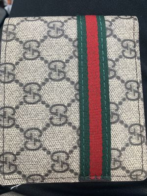 Men's GUCCI WALLET for Sale in Cleveland, TX