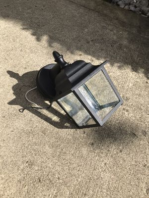 Outdoor lit fixture for Sale in Delaware, OH