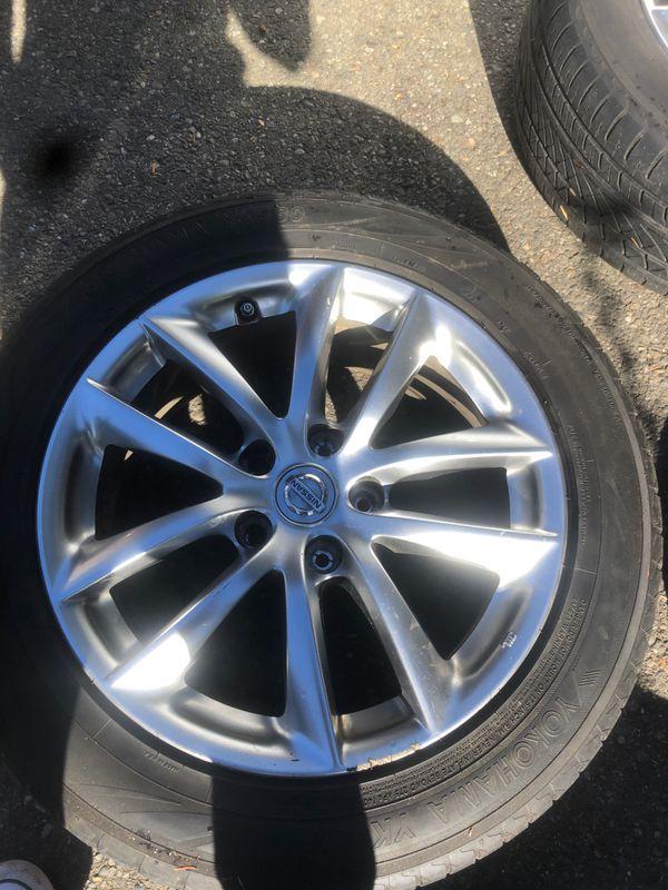 "Infiniti g35x wheels 17"""
