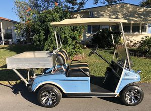 """Nice Club Car DS with New Batteries and New 10"""" Chrome Wheels and Tires for Sale in Lakeland, FL"""