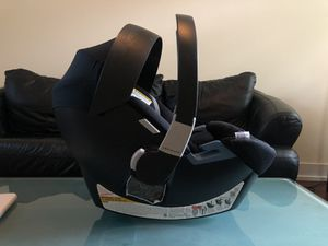 Cybex Aton2 Gold car seat for Sale in Chicago, IL