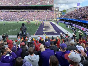 Washington Husky tickets vs Oregon Ducks for Sale in Federal Way, WA