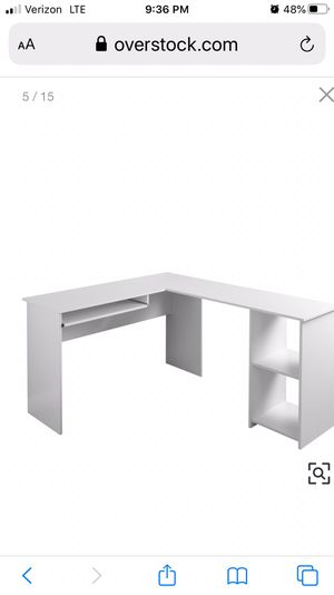 Special price One 1 desk only at reduced rate due to small flaws $80 OBO for Sale in Henderson, NV