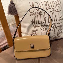 Guess Hang Bag for Sale in Burbank,  CA