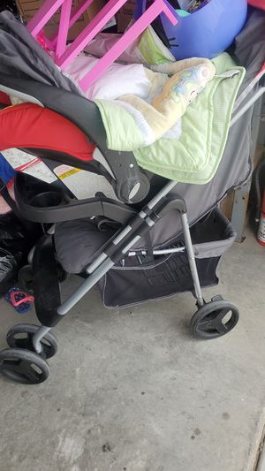 Stroller whit car seat for Sale in El Mirage, CA