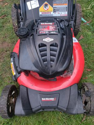 Yard Machine 21 inch 3 in 1 lawnmower with bag for Sale in Parkland, WA