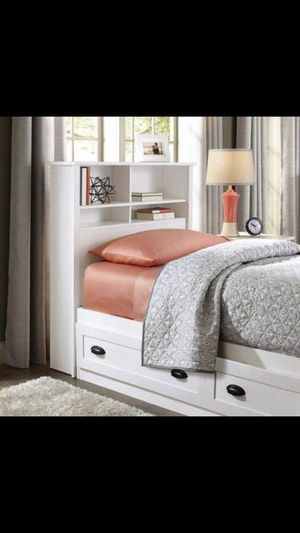 Bookcase headboard for Sale in Houston, TX