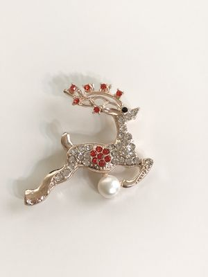 Real pearl elegant deer pin/brooch for Christmas! for Sale in Sykesville, MD