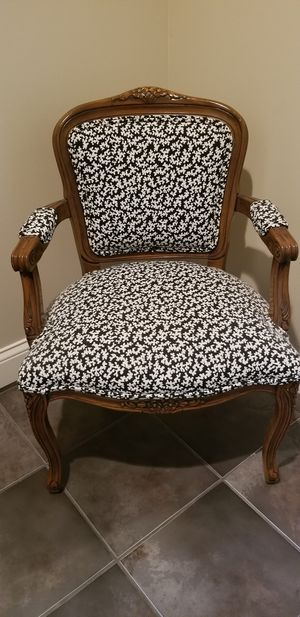 Accent chair for Sale in Chino, CA