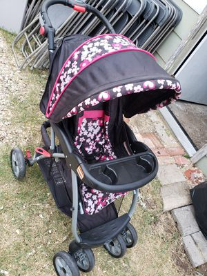 Baby trend stroller for Sale in Grand Prairie, TX