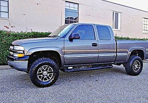 ֆ12OO 4WD Chevrolet Silverado 4WD for Sale in Wichita, KS