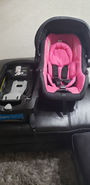 URBINI INFANT CAR SEAT for Sale in Miami, FL