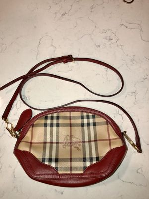 BURBERRY body bag for Sale in Long Beach, CA