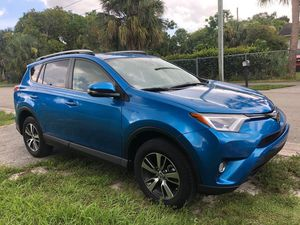 Toyota Rav4 2018 like new everything works for Sale in West Palm Beach, FL