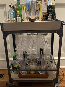 Bar Cart! Great Condition! for Sale in Cleveland,  OH