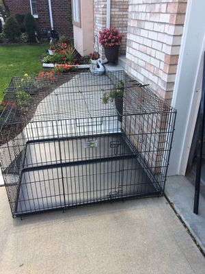 48x48 extra wide cage for Sale in Downers Grove, IL