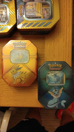 Two collector tins, 6 packs for Sale in Gulfport, FL