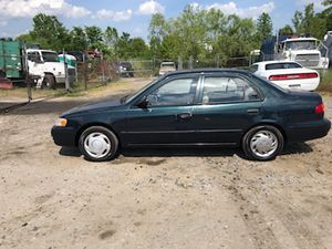 1999 Toyota Corolla 130k miles runs and drives!!!! for Sale in Fort Washington, MD