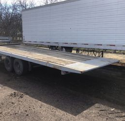 25' Flat Bed Trailer for Sale in Visalia,  CA
