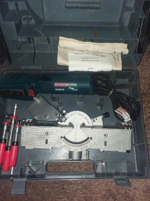 Bosch. 1640vs. Fine cut with mount table for Sale in Smyrna, TN