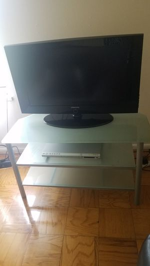 40 inch Samsung Smart TV with TV stand for Sale in Rockville, MD