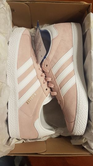 New Kids Adidas Gazelle (Size 3) for Sale in Vancouver, WA