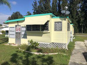 Casa Traila o movil for Sale in Naples, FL