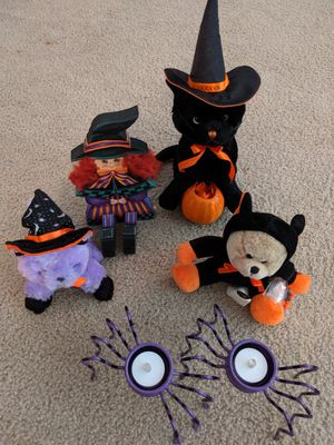 Halloween decorations and hats for Sale in Atlanta, GA