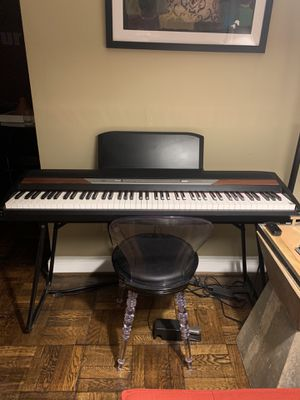 Piano keyboard - Korg SP-250 Keyboard for Sale in Washington, DC