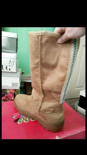 Women's bamboo boots size 9 new for Sale in Philadelphia, PA