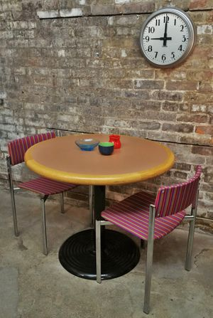 Mauve Round Kitchen Table - $65 (Seattle) for Sale in Seattle, WA