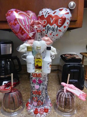 More Valentine's Day Baskets! for Sale in Lemoyne, PA