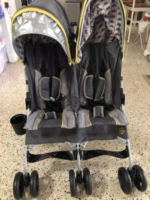 Double stroller Jeep Brand for Sale in Tampa, FL