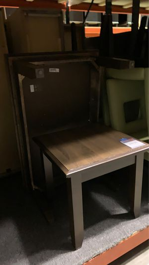 Colfax end and cocktail table for Sale in MIDDLEBRG HTS, OH