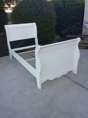 White Twin Size Bed Frame for Sale in Clovis, CA