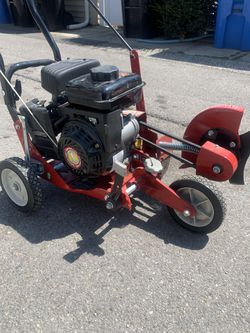 Southland Lawn Edger 79cc for Sale in Chicago, IL