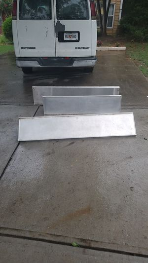 """New Age Industrial Dunnage Rack 60"""" x 48"""" x 12"""" for Sale in Lawrenceville, GA"""
